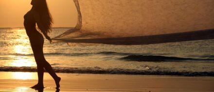 Offerta spiaggia a Gabicce Mare : Ombrellone + Lettini + Pedalò a una tariffa incredibile!