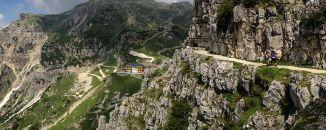 Strada delle 52 Gallerie sul Monte Pasubio.... un'opera unica da fare almeno una volta nella vita!!