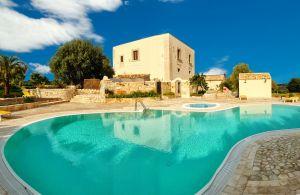 Villa di Lusso in Sicilia con Piscina