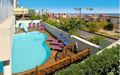 Offerte hotel a cattolica con piscina offerte cattolica - Hotel merano 4 stelle con piscina ...