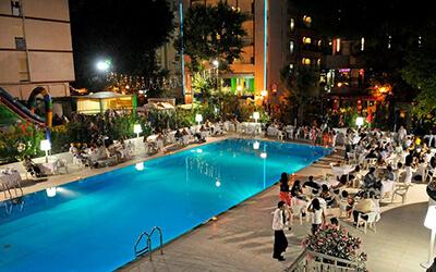 Offerte hotel con piscina a Cattolica