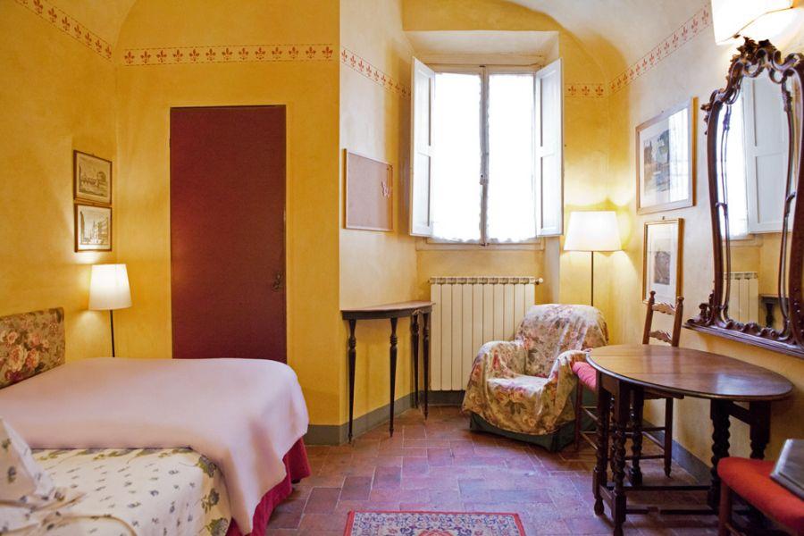 Studiolo appartamenti vacanze firenze centro poggio for Appartamenti firenze