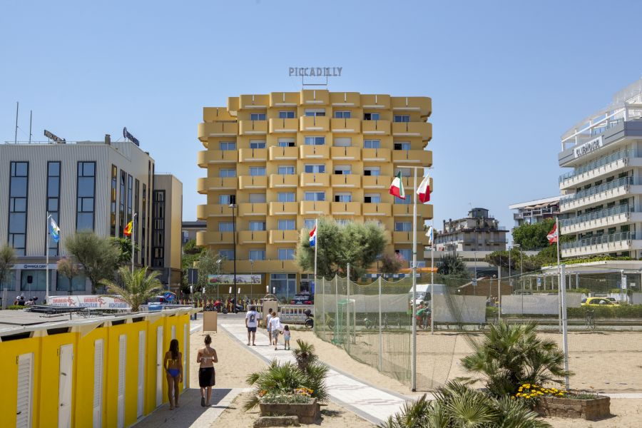 residence piccadilly rimini sul mare