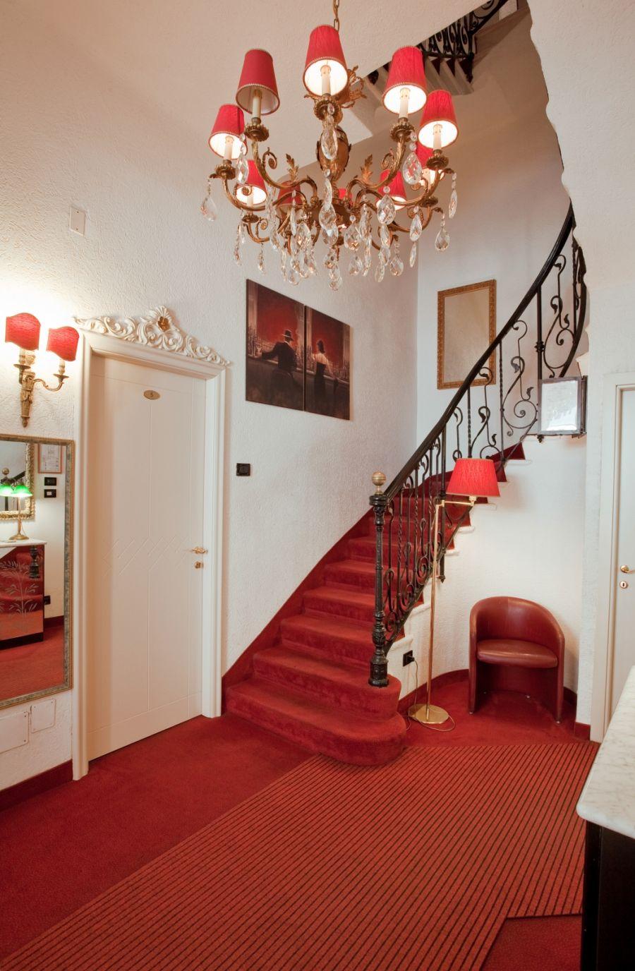 Hotel charly milano l hotel charly a milano rappresenta un for Hotel milano centro economici