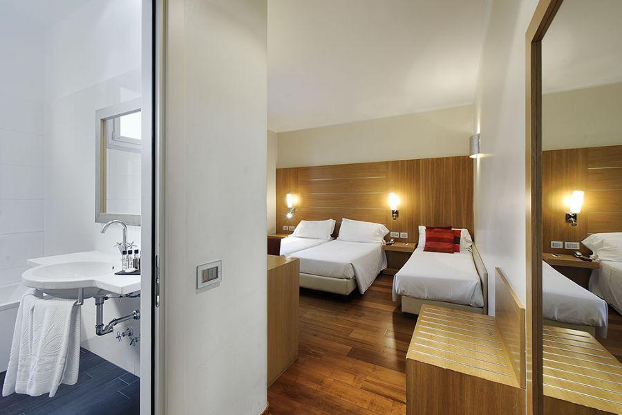 Hotel Canada Milano Via Santa Sofia