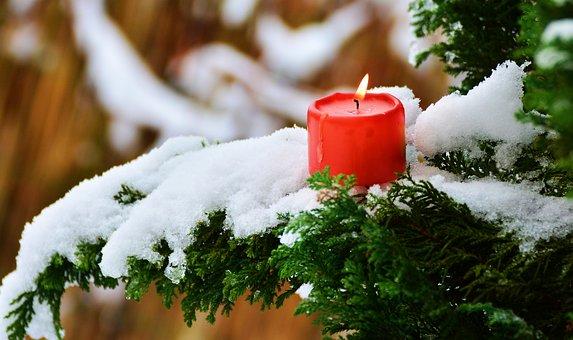 Nell''occasione delle Festività Natalizie  siamo lieti di  inviarVi   i  nostri più sinceri e sereni Auguri di Buon Natale e Felice Anno  2018