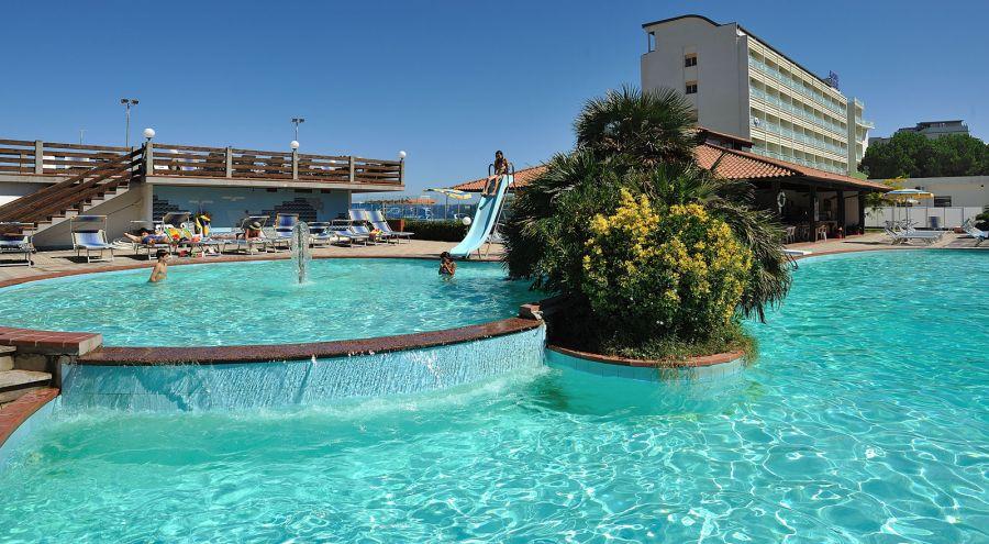 Ponte del 25 aprile a milano marittima hotel adria - Hotel con piscina cervia ...