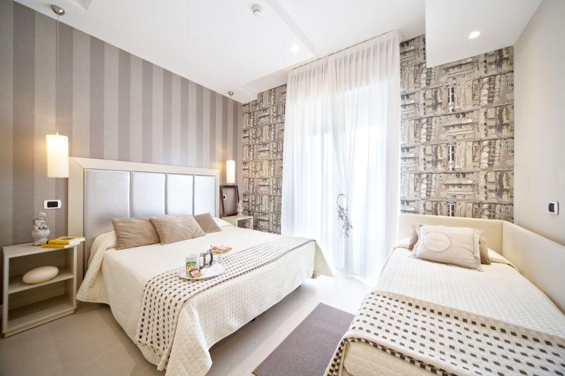 Photogallery vacanze a riccione alberghi 3 stelle a for Camere da letto piu belle del mondo