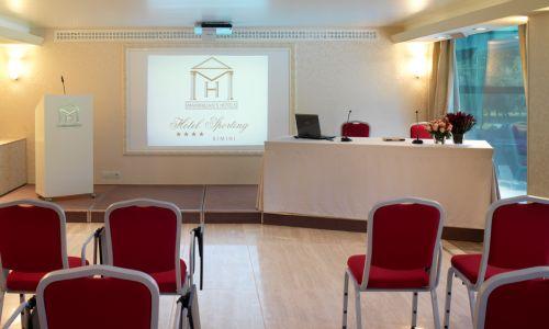 Un hotel per il prossimo congresso a Rimini?  Provalo Gratis!