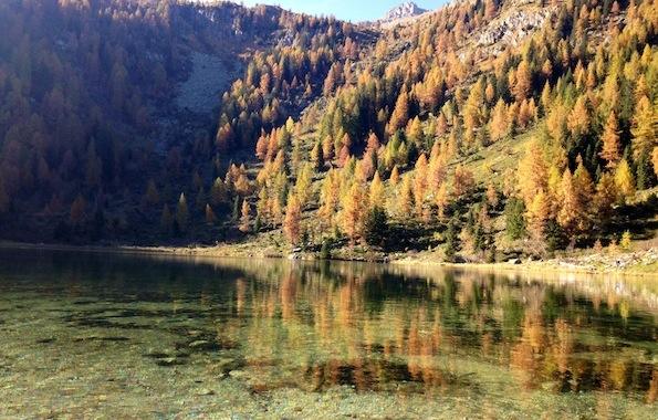 Il settembre a madonna di campiglio una tavolozza di for Lago store genova