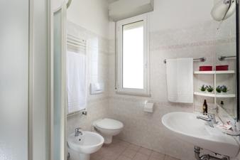 residence hotel piccadiily rimini bagno