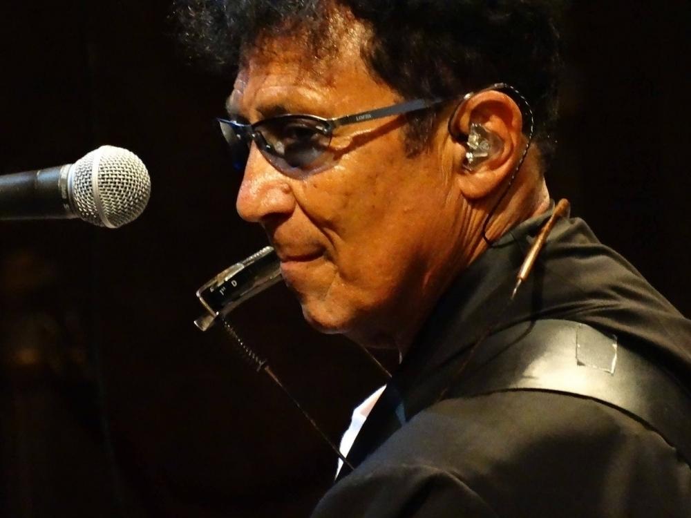 edoardo bennato in concerto a spongano live evento consigliato da hotel delle palme lecce salento puglia