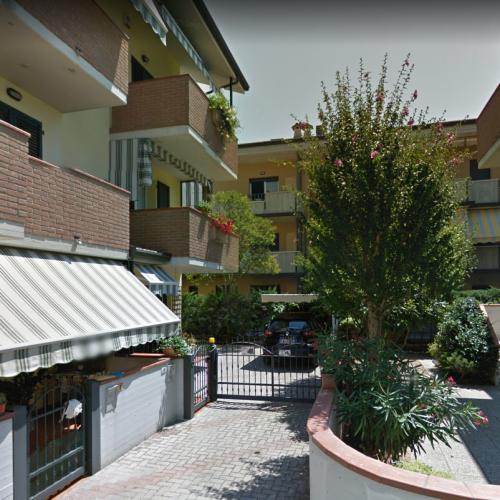 VILLETTA A SCHIERA in Via Val Passiria, Pinarella di Cervia