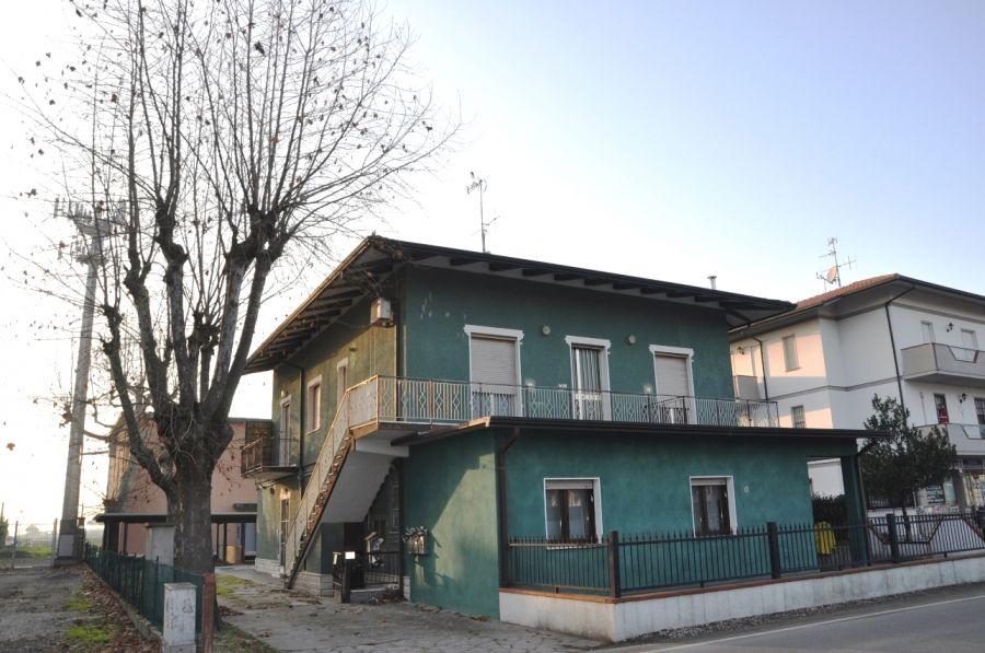 BILOCALE PIANO TERRA in Via Pinarella, Pinarella di Cervia