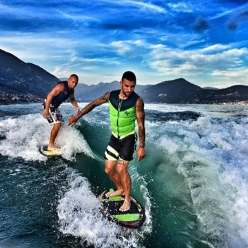The Perfect Wave: WAKEBOARD and WAKESURF at Lake Iseo