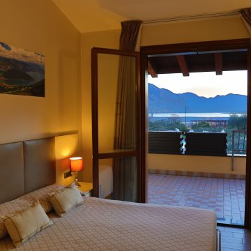 Motel Use at Iseo Lake