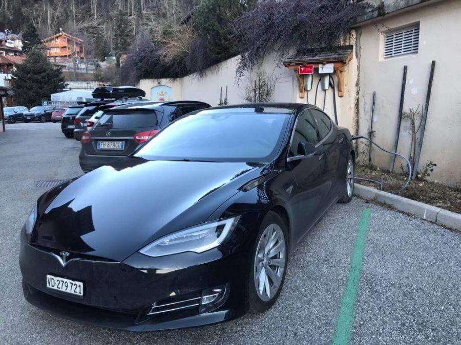 Punto di ricarica auto elettriche