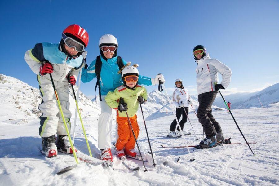 Family week a Marzo.                      I bambini sciano e soggiornano gratis!