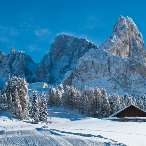 Angebote Januar 2022 in den Bergen mit Skipass inklusive