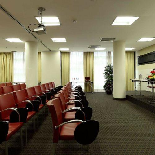 Last minute hotel a torino holiday inn turin in corso for Subito offerte di lavoro torino