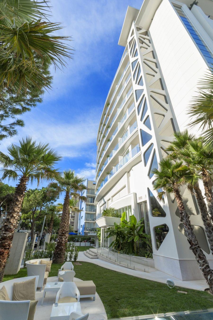 All Inclusive offer 4-star Hotel Rimini on the beach