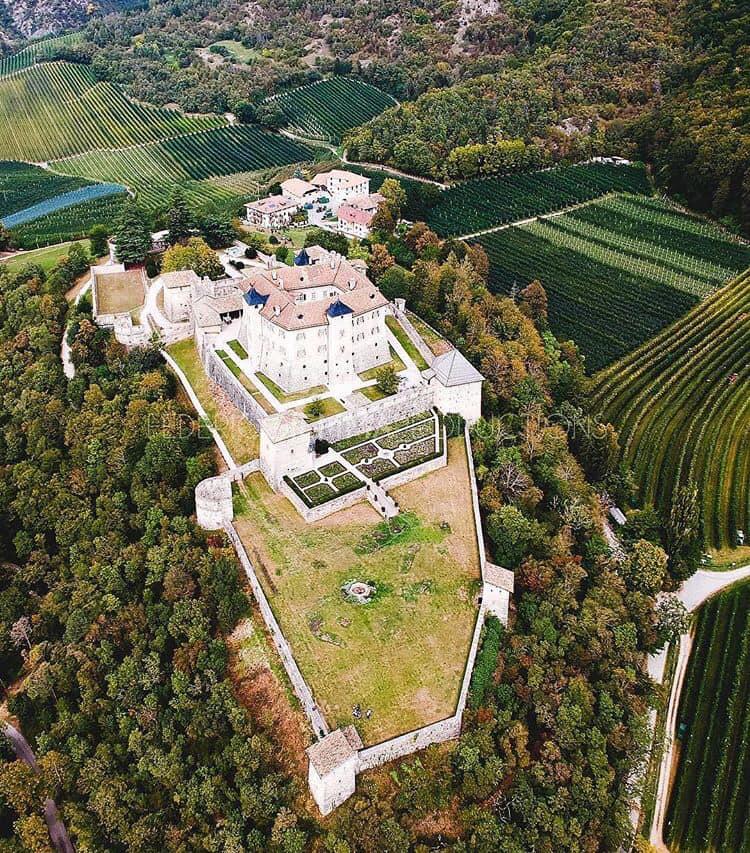 Le chateau Thun