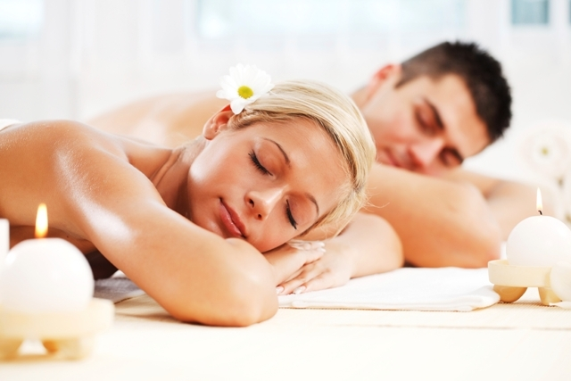 COUPLES TREATMENTS IN YOUR ROOM